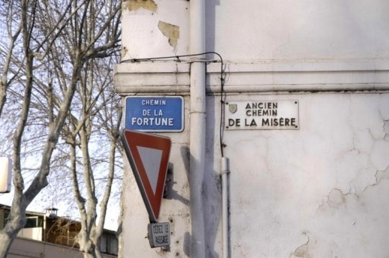 De straat van geluk of van misère?