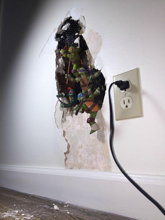 """Zo """"repareer"""" je een gat in de muur"""