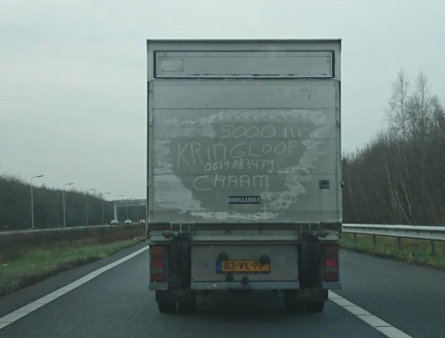 Vieze vrachtwagen